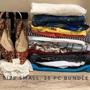 25 pc Women's clothes lot Bundle Size Small
